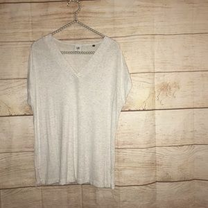 Cabi women's size medium white v neck